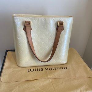 🔥🔥Authentic Louis Vuitton Vernis Purse!!!!